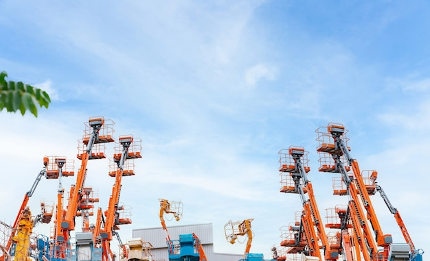푸른 하늘 모바일 크레인에 대한 굴절 식 붐 리프트 고소 작업대 리프트 텔레스코픽 붐 리프트