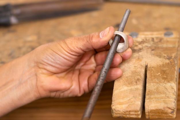 Artisan polishing ring