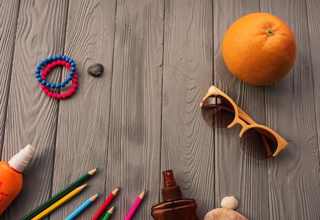 碑文のためのアーティストの鉛筆。アクセサリー日焼け止めspfケア。サングラスブレスレット