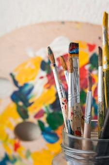 艺术家桌上的道具