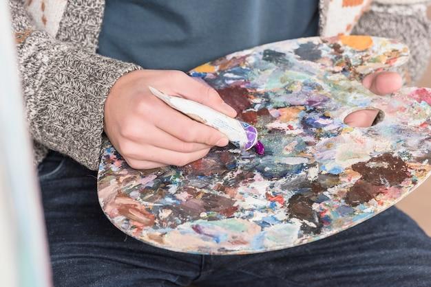 カラーパレット付きアーティスト