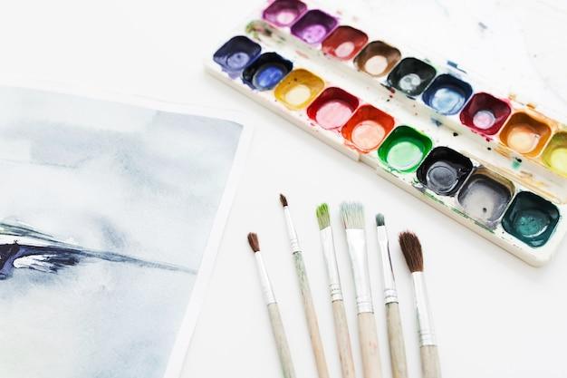 描画ツールを使用したアーティストの職場
