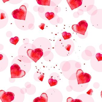 Художественный бесшовный паттерн с акварелью рисованной сердца, изолированные на белом фоне. рисование краской. хорошо подходит для дизайна карты дня святого валентина, упаковочной бумаги. любовно-романтическая тема.