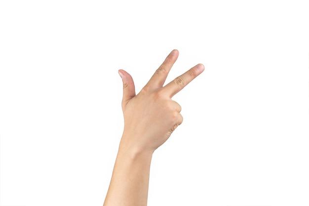 아시아 백핸드는 격리된 흰색 배경에 손가락에 8(8) 기호를 표시하고 계산합니다. 클리핑 패스