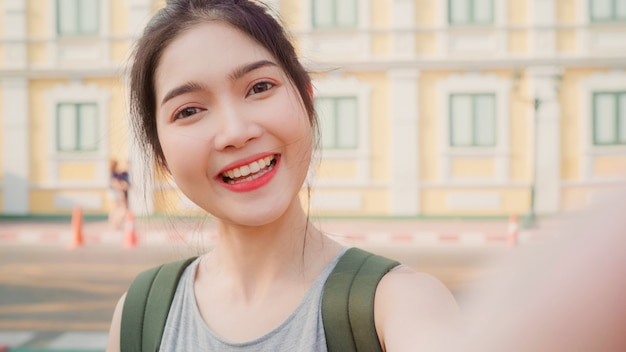 Asian blogger woman travel in bangkok, thailand