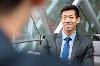 アジア人、ビジネスマン、オフィス、ラウンジ