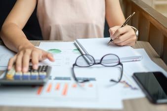 Asian Businesswoman analysis maketing plan