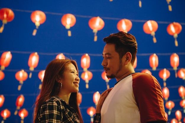 Азиатская пара в китайском стиле