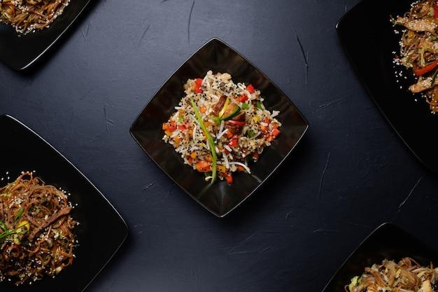아시아 요리 식사 레시피. 건강한 야채 야채 샐러드. 채식 영양, 건전한 식사.