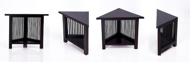 木で作られたアジアンデザインの木製テーブル