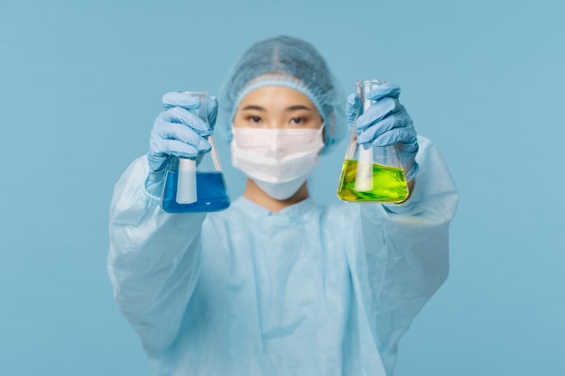Азиатская женщина-врач грипп и вирус в китае, коронавирус 2019-нков