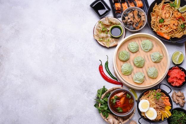 アジア料理。中華料理、日本料理、タイ料理