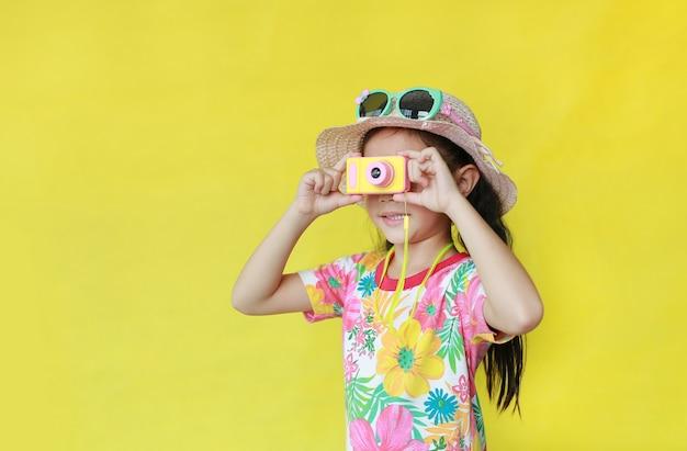 Asian little girl wearing summer clothes