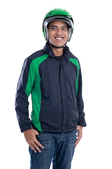 Азиатский мужчина мотоциклист с униформой, изолированные на белом фоне