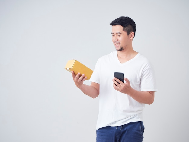 Asian man get online stuff ordered
