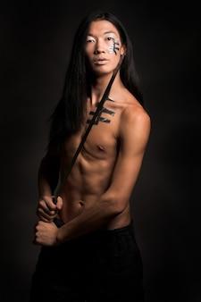 블랙에 아시아 남자
