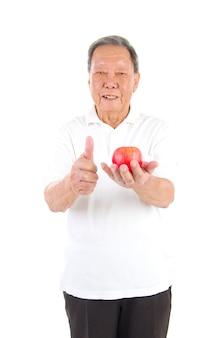 Азиатский старший мужчина