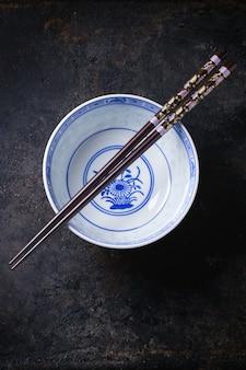 Посуда в азиатском стиле Premium Фотографии