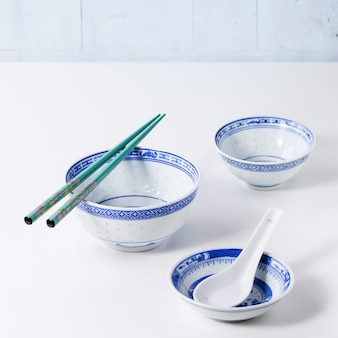 アジアンスタイルの食器