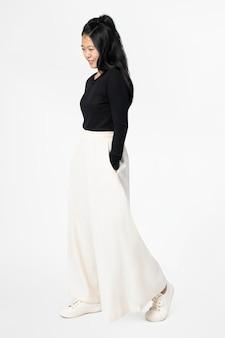 디자인 공간 캐주얼 패션 전신 흰색 궁전 바지에 아시아 여자