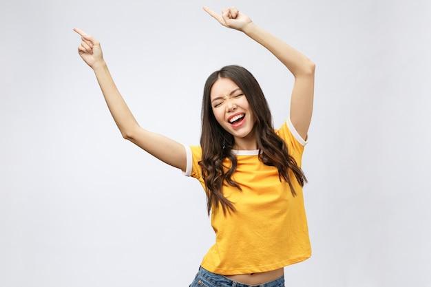 아시아 여성 행복 손을 승리 또는 성공 뭔가