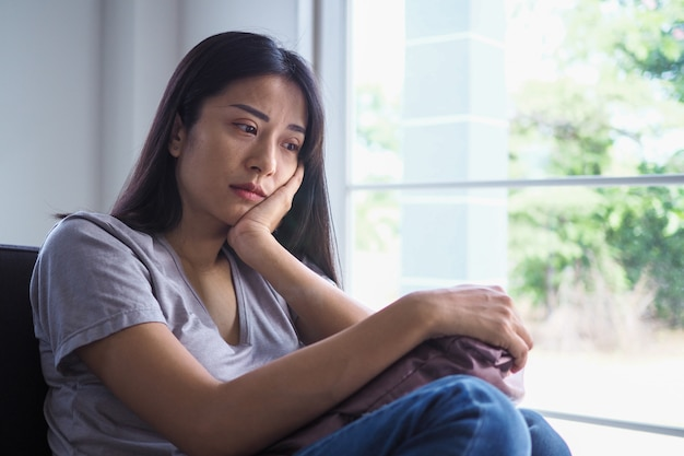 Asian women with mental illness, anxiety, hallucinations, mental falls