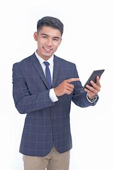 흰색 배경에서 격리 아시아 젊은 잘 생긴 쾌활한 비즈니스 남자