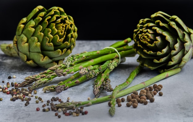 Asparagus and artichokes with herbs