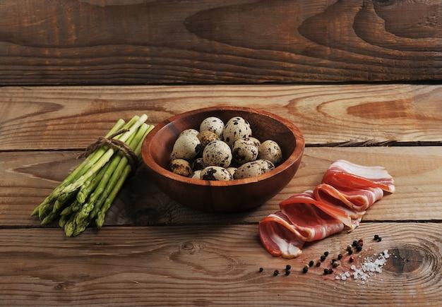 Asparagus, quail eggs and bacon