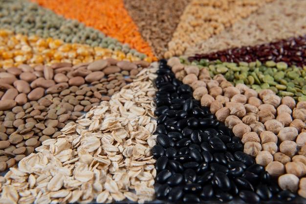 モザイクを形成する食用穀物とのアセンブリ