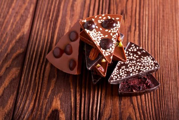 Ассорти из шоколадных треугольников