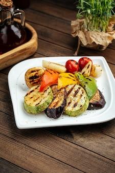 Ассорти из овощей на гриле с гарниром