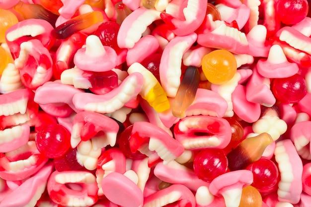 各種グミキャンディー。上面図。ゼリー菓子。