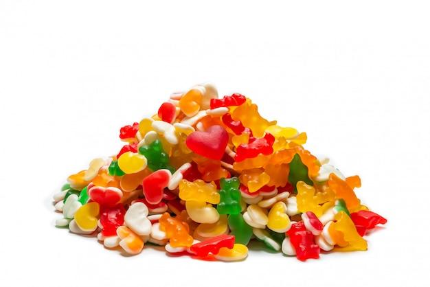 Ассорти жевательных конфет. вид сверху. желейные конфеты.
