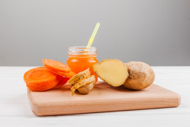 Assorted vegetable and juice