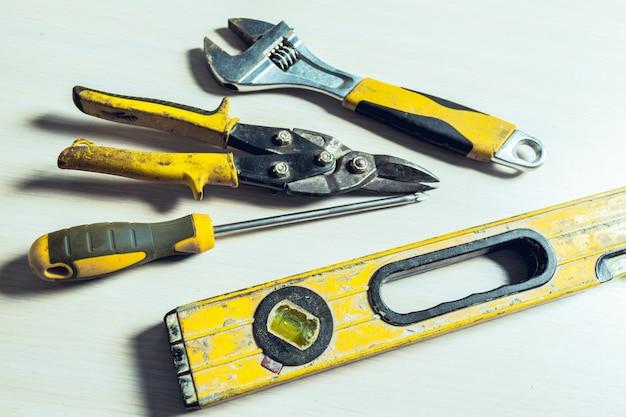 Ассорти из рабочих инструментов