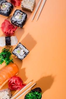 コピースペース付きの寿司の品揃え