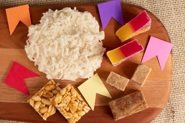 Assortment of brazilian typical sweets cocada, pãƒâƒã'âƒãƒâ'ã'â© de moleque, rapadura, paãƒâƒã'âƒãƒâ'ã'â§oca and jelly.
