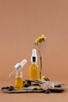 Assortimento di contagocce di olio di jojoba