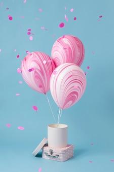 抽象的なお祝いの風船の詰め合わせ 無料写真