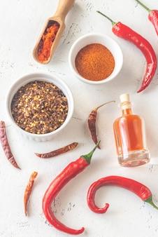 Ассорти из продуктов перца чили