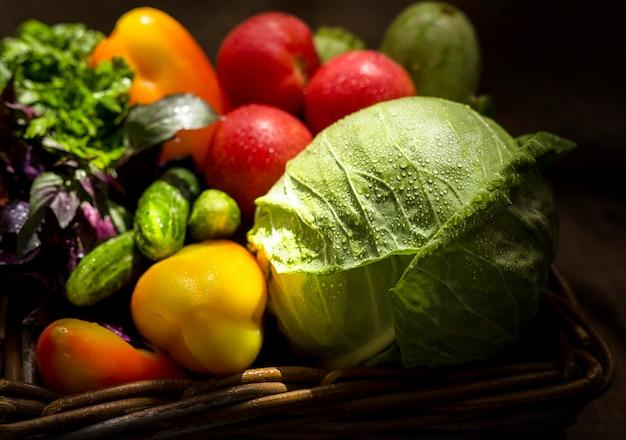 Ассортимент вкусных осенних овощей