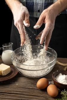 죽은 재료의 맛있는 빵 모듬