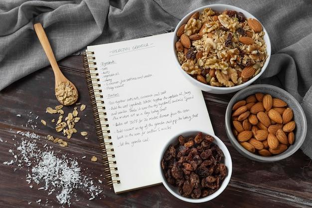 Ассортимент вкусных ингредиентов на кухне