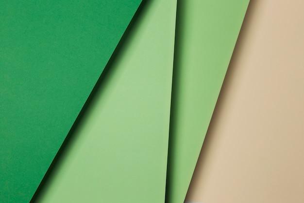 Ассортимент листов зеленой бумаги