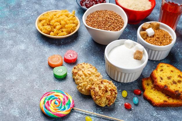 シンプルな炭水化物食品の品揃え。