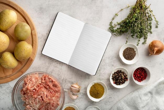 Ассортимент вкусной еды и ингредиентов
