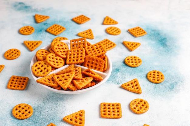 Assortimento di cracker al sale.