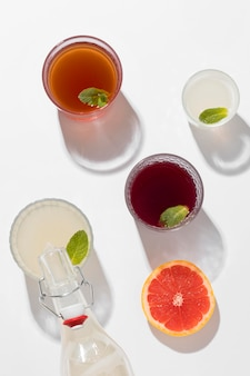 Assortimento di deliziose bevande fermentate