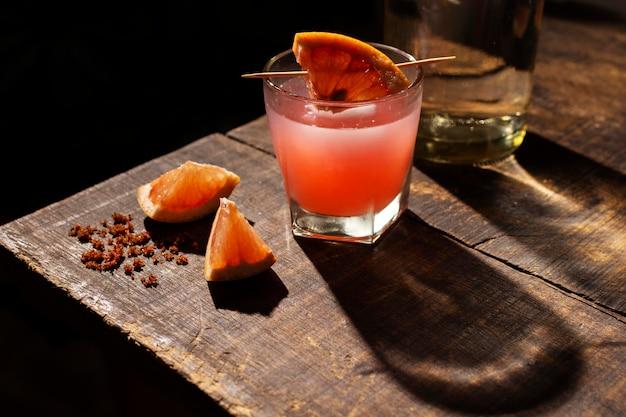 Assortimento con deliziosa bevanda mezcal